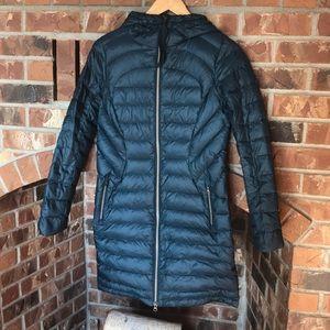 Lululemon Brave the cold jacket size 4 blue